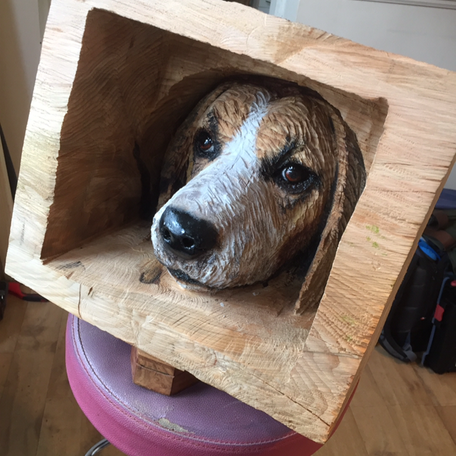 Beagle head carving